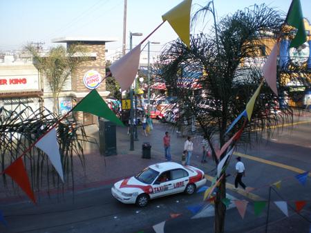米国とのボーダータウン・メキシコはティファナ (Tijuana) のミックスカルチャー