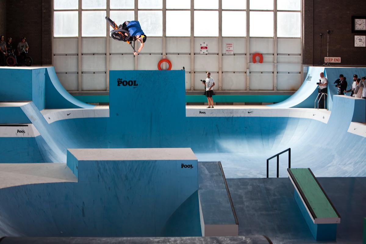 BMX(ビーエムエックス)のフリースタイルパーク:「The Pool」(プロジェクト)