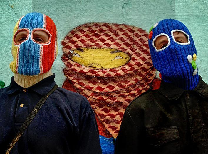 ブラジリアングラフィティーアーティスト・Os Gemeos(パンドルフォ兄弟)