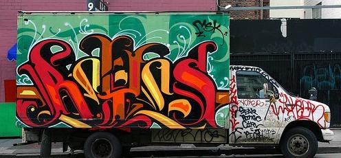 REYES graffiti