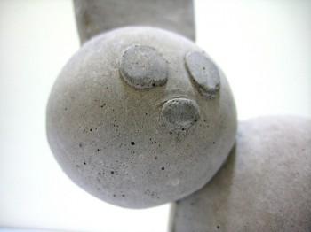 セメントのウサギ(photo by undenk)