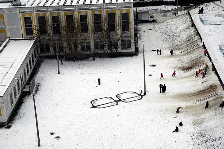 ロシアのバンクシー?:ロシア人のストリートアーティストのP183