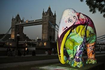 Elephant Parade London 2010 (photo by Milo Tchais)