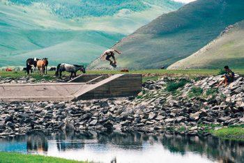 モンゴルのスケボードキュメンタリー映画:モンゴリアン・タイアーズ