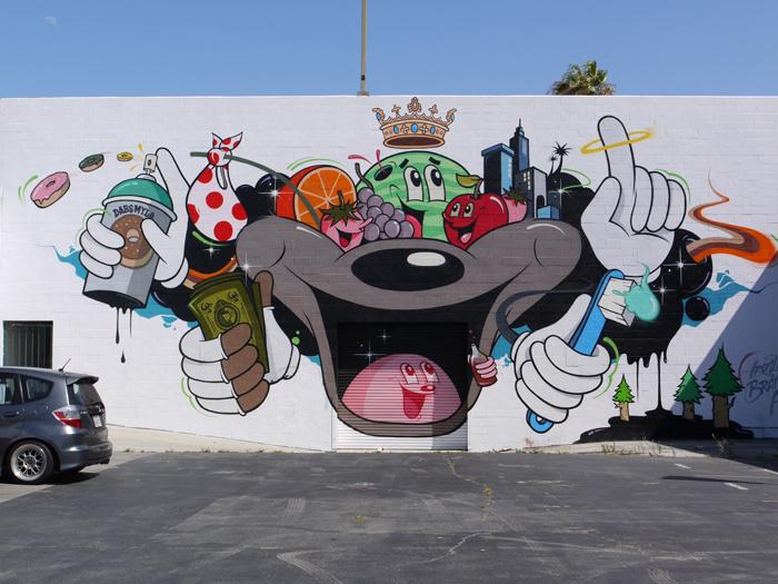 ロサンゼルス市内のストリートアート作品の写真集