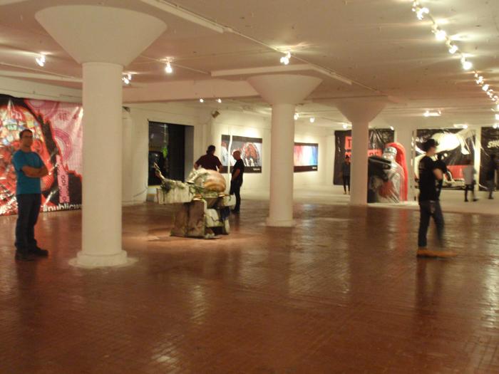 ストリートアート専門ギャラリーLALA Galleryで行われたPUBLIC WORKSのオープニングレポート紹介
