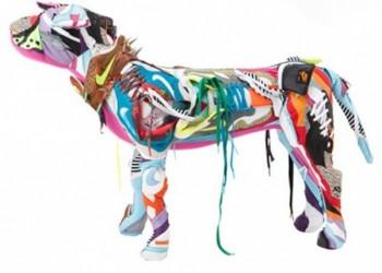 スニーカーアートの犬